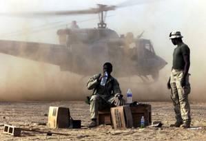 Soldados americanos no Afeganistão: tensão com Irã Foto: Jim Hollander / Reuters/2001