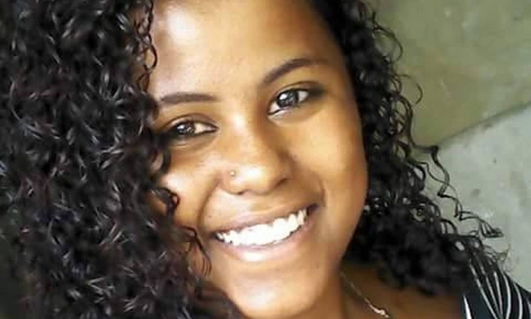 Bruna de Souza Oliveira, de 19 anos, foi morta pelo namorado Foto: Facebook/Reprodução