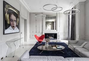 A sala de estar de apartamento em Paris Foto: Divulgação / Luis Alvarez