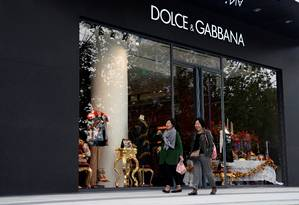 Loja da grife italiana Dolce & Gabbana em um complexo comercial em Xangai, China Foto: ALY SONG / REUTERS
