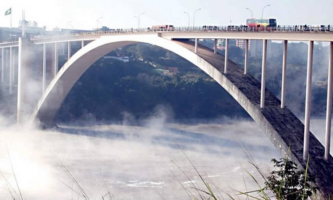 Ponte da Amizade, na fronteira do Brasil com o Paraguai Foto: Christian Rizzi / Gazeta Do Povo