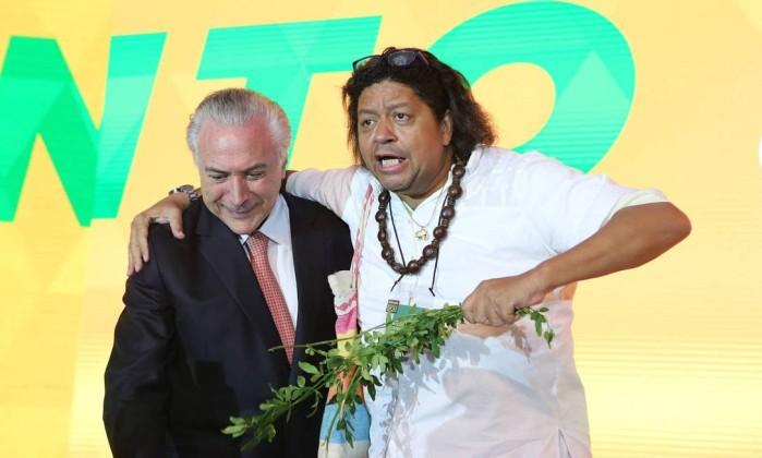 O presidente Michel Temer e Roberval Uzêda, ex-pai de santo Foto: Filipe Cardoso / MDB Nacional