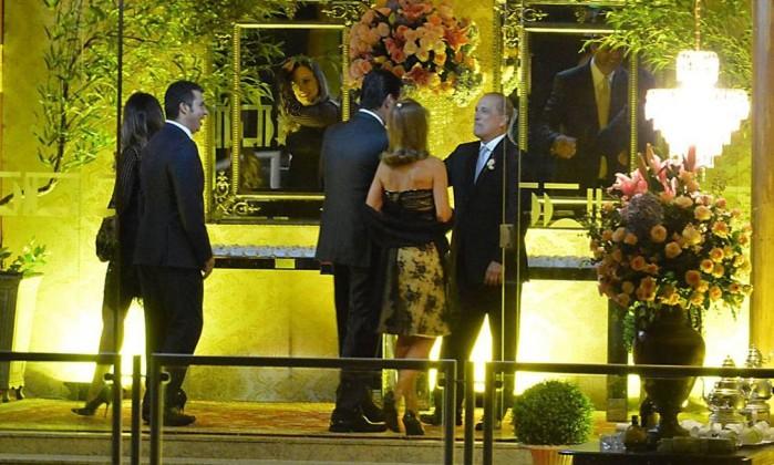 Onyx Lorenzoni, futuro ministro do governo de Jair Bolsonaro, recebe convidados em seu casamento, na quinta-feira (22), em Brasília Foto: Marcello Casal Jr. / Agência Brasil
