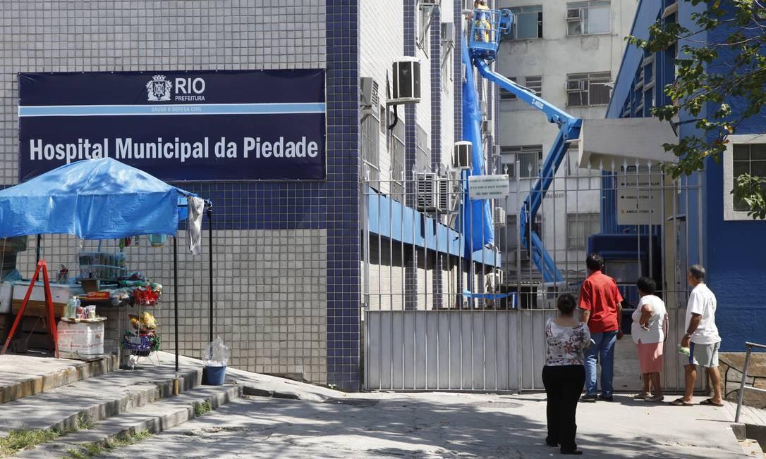 Hospital Municipal da Piedade, uma das unidades que devem ser devolvidas à União Foto: Fábio Rossi / O Globo