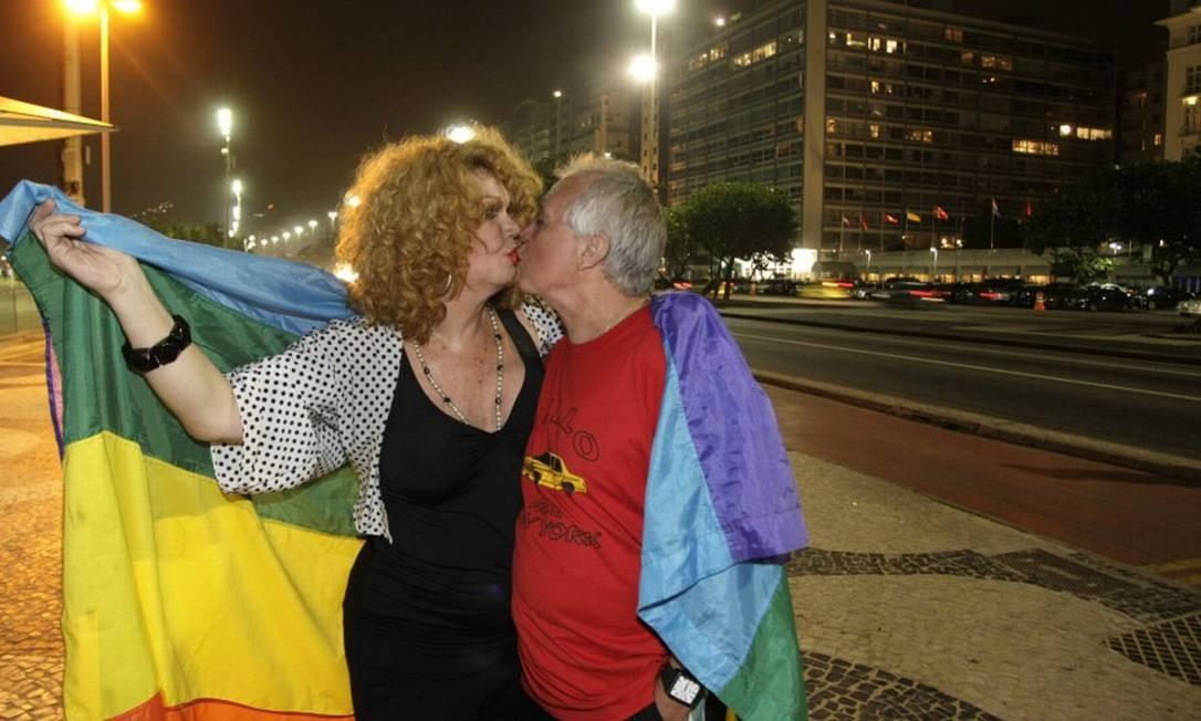 Jane Di Castro e o marido Otovio Bomfin em maio de 2011 Foto: Marco Antônio Teixeira