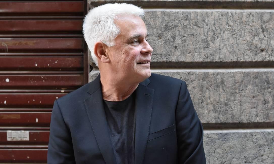 """Estreia. O jornalista Aloysio Reis lança o livro """"Rio Vermelho e outros relatos improváveis"""" em Niterói dia 29 Foto: FRPHOTOS / Divulgação"""