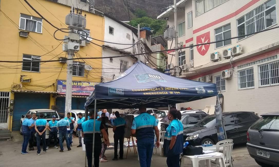Agentes da Seop fazem simulado em comunidade no Itanhangá Foto: Divulgação