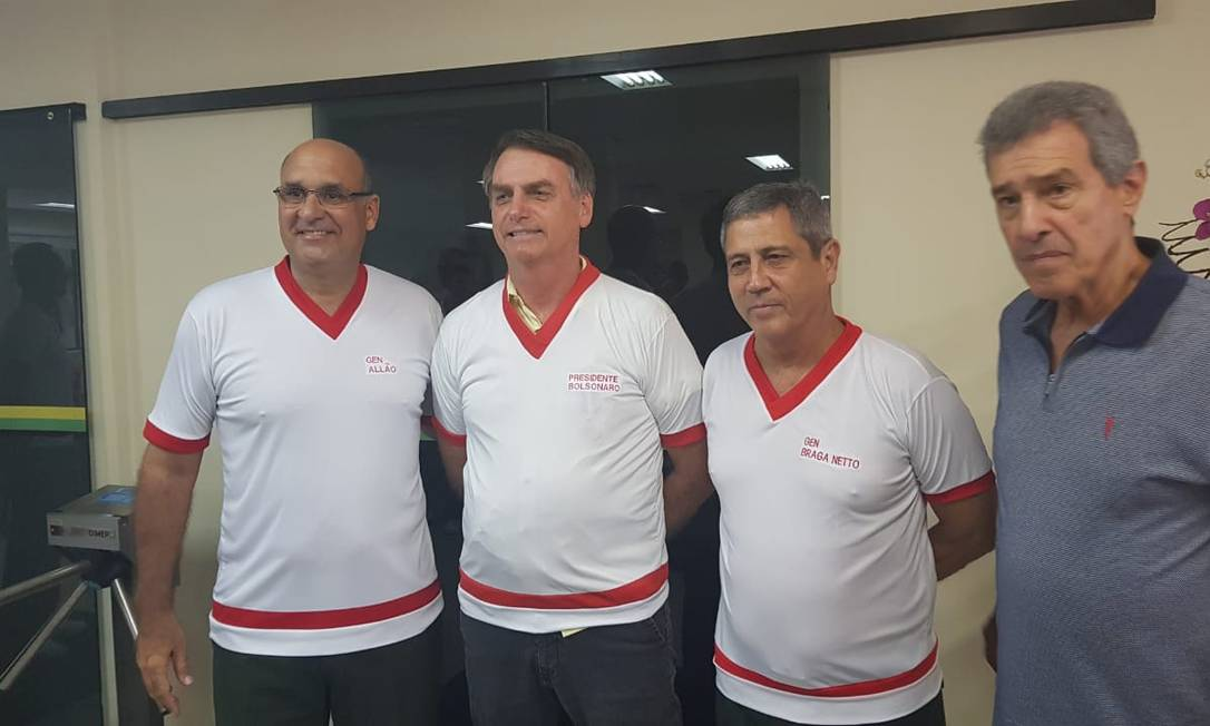 Bolsonaro participa de encontro com atingos e atuais comandantes, professores e alunos da Escola de Educação Física do Exército, na Urca, Zona Sul do Rio Foto: Divulgação
