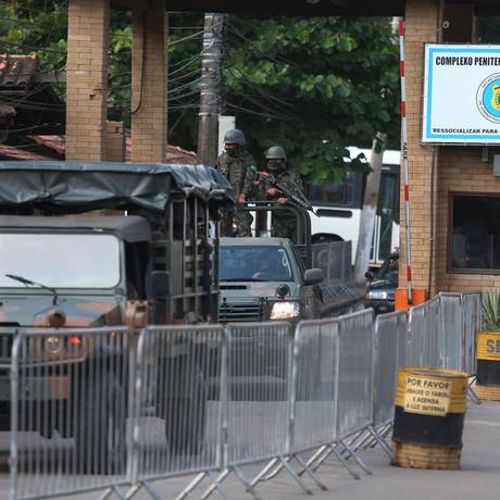 Exército faz vistoria no Presídio Bangu 3. Arquivo: 27/03/2018 Foto: Fabiano Rocha / Agência O Globo