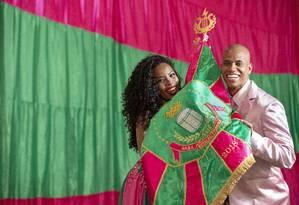 Casal de mestre-sala e porta-bandeira da Mangueira: Squel Jorgea e Matheus Olivério Foto: Ana Branco / Agência O Globo