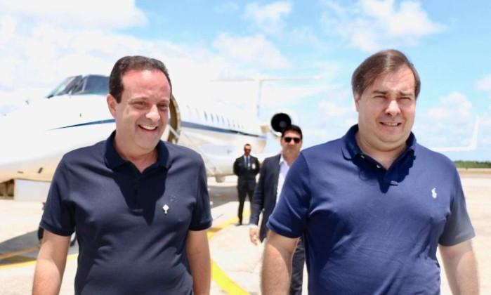 André Moura (PSC-ES) e Rodrigo Maia (DEM-RJ) Foto: Reprodução/Twitter