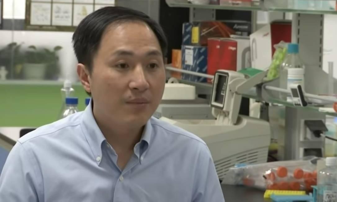 He Jiankui é especialista em física, mas não tem experiência com experimentos humanos Foto: Reproduçao de vídeo da AP
