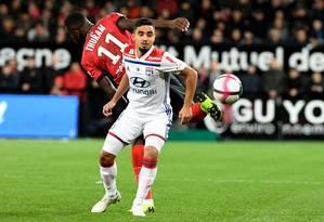 Rafael em ação pelo Lyon no Campeonato Francês Foto: FRED TANNEAU / AFP