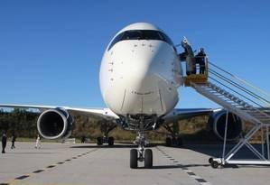 Empresa aérea: segundo a Justiça, a legislação sobre gratuidade não inclui a aviação civil Foto: Eduardo Maia - Agência O Globo