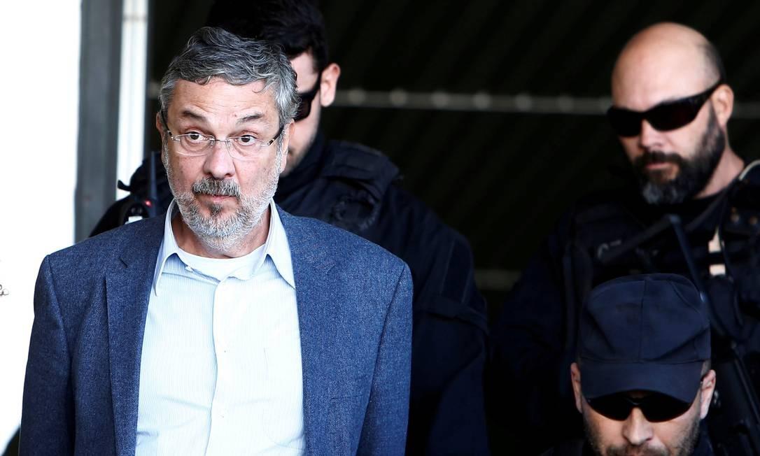 Palocci: Lula atuou em medida provisória que beneficiou empresas e o filho