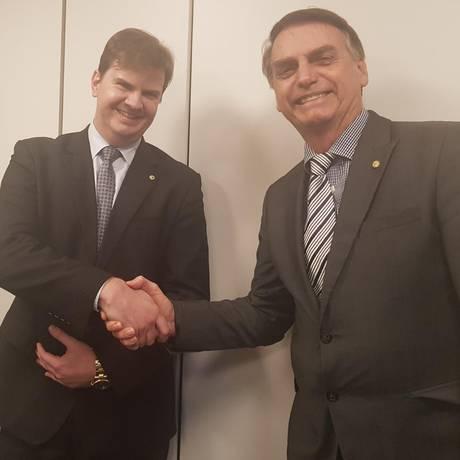 Bolsonaro com o futuro ministro do Desenvolvimento Regional Foto: Divulgação