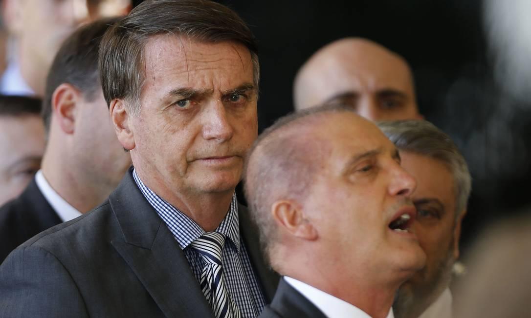 O presidente eleito Jair Bolsonaro e o futuro ministro da Casa Civil, Ônyx Lorenzoni Foto: Jorge William / Agência O Globo
