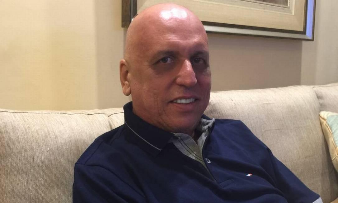 Durante tratamento contra um linfoma, o governador Luiz Fernando Pezão apareceu com a cabeça raspada pelo primeira vez em abril de 2016 Foto: Divulgação