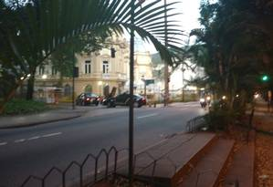 Carros da PF chegam ao Palácio Guanabara Foto: Geraldo Ribeiro / Agência O Globo