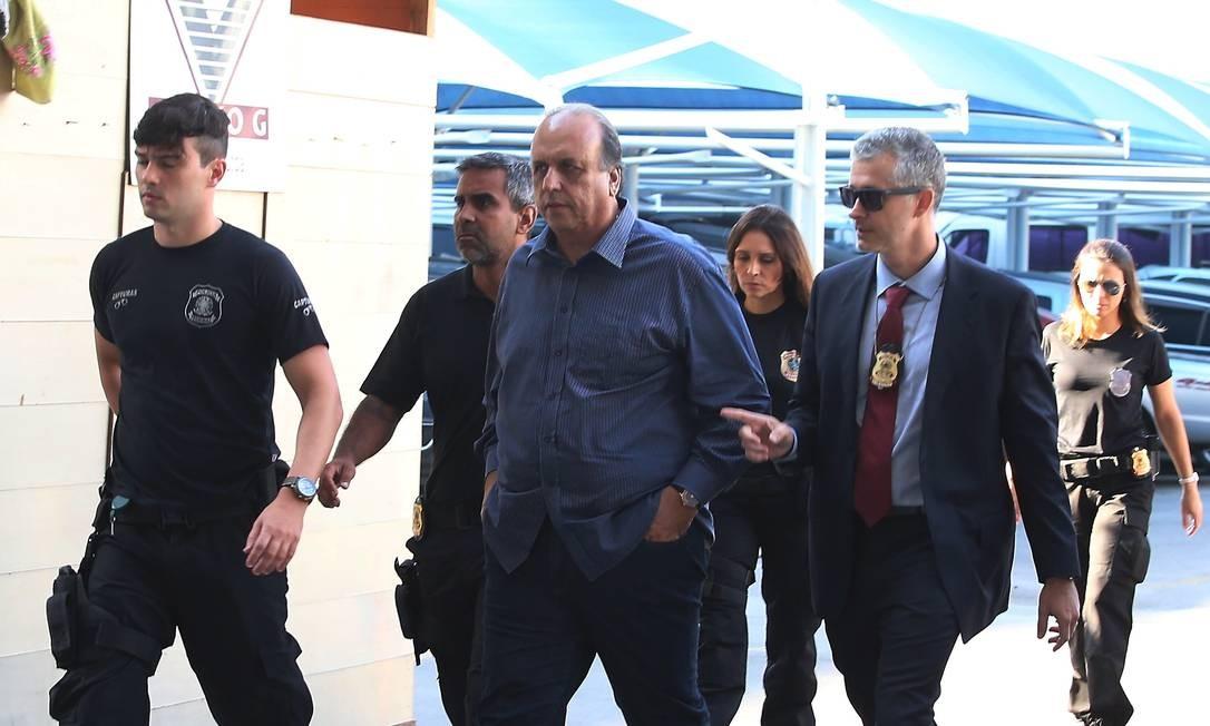 Governador Luiz Fernando Pezão foi preso nesta quinta-feira na operação denominada Boca de Lobo Foto: Fabiano Rocha / Agência O Globo