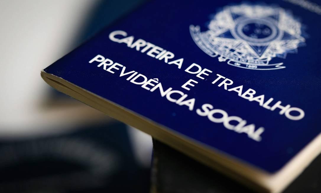 Em um ano, 400 mil brasileiros deixaram de procurar emprego Foto: Roberto Moreyra / Agência O Globo
