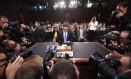 Em depoimento em abril, o diretor executivo do Facebook, Mark Zuckerberg, negou a venda de dados de usuários Foto: JIM WATSON / AFP