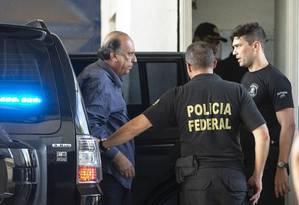 Pezão no momento em que chegou ao BEP Foto: Alexandre Cassiano / Agência O Globo