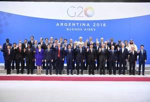 Os líderes participantes do G20 posam para foto em Buenos Aires Foto: Alexander Nemenov / AFP