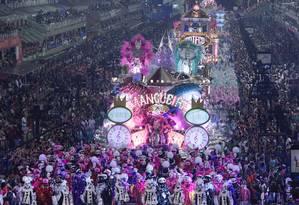 O desfile da Mangueira na Sapucaí em fevereiro deste ano Foto: Fernando Grilli / Divulgação Riotur