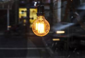 Contas de luz terão alívio com empréstimo bilionário Foto: Guito Moreto / Agência O Globo