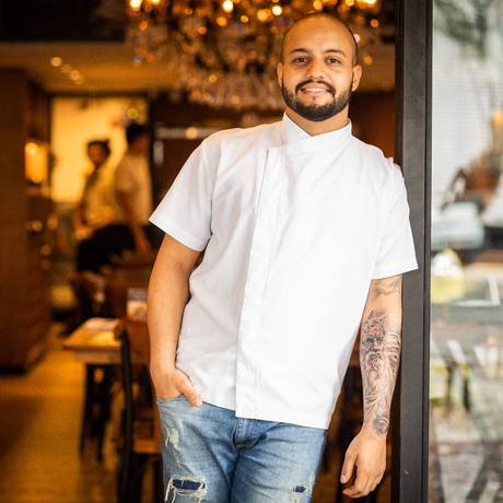 Toque pessoal. À frente da cozinha do Pappa Jack, Beto Neves aposta na cozinha autoral Foto: Bárbara Lopes / Agência O Globo