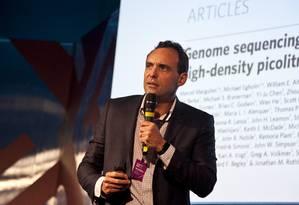O mapeamento genético e as novas possibilidades de tratamentos médicos foram apresentados por João Bosco. Foto: Agência O Globo