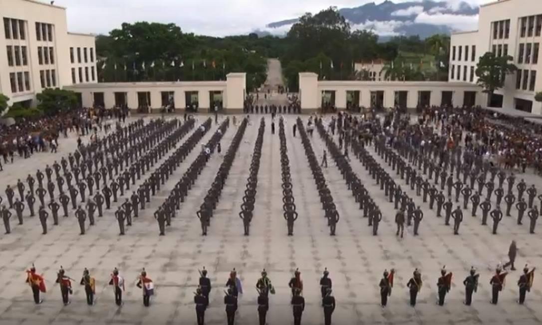 Presidente Jair Bolsonaro participa de formatura da Academia das Agulhas Negras