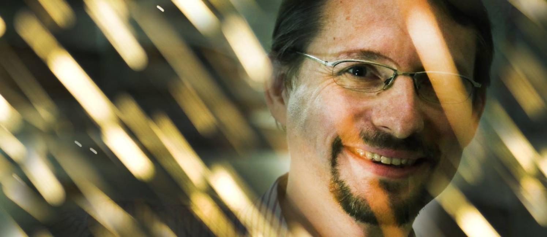 O engenheiro belga Jean-David Caprace no Laboratório de Tecnologia Submarina da UFRJ: ele dá aulas e participa de projetos de inovação no Brasil Foto: Antonio Scorza / Agência O Globo