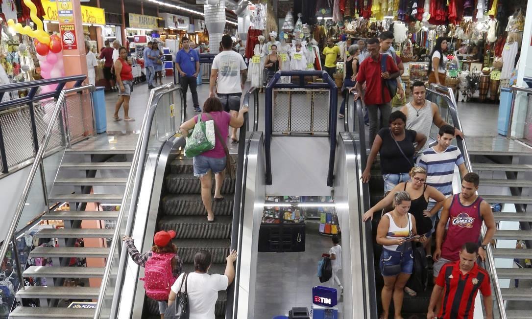 As escadas rolantes do Mercadão Fábio Guimarães / Agência O Globo