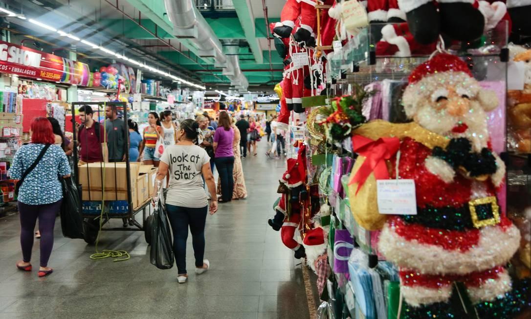 Lojas do Mercadão vendiam artigos de Natal em novembro de 2017 Brenno Carvalho / Agência O Globo