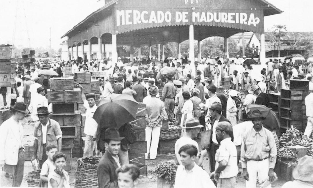 Em 1959, o Mercadão de Madureira foi inaugurado, no local onde se encontra até hoje Reprodução