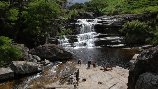 A Cachoeira dos Frades tem queda de dez metros de altura Foto: Reginaldo Pimenta / Agência O Globo
