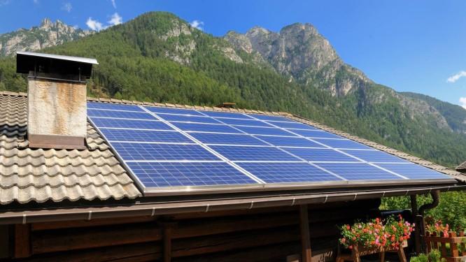 Placas fotovoltáicas para energia solar Foto: FRANCO RICCI/Divulgação
