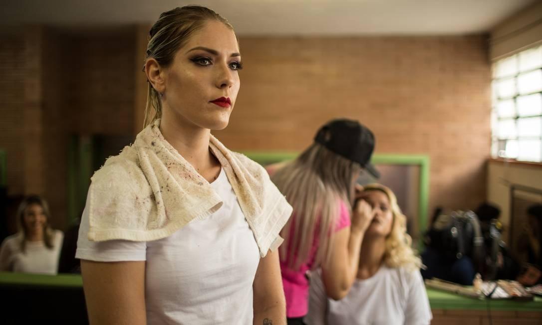 "Veronica Verone venceu o concurso e foi coroada ""Miss Talavera Bruce"" Foto: Brenno Carvalho / Agência O Globo"