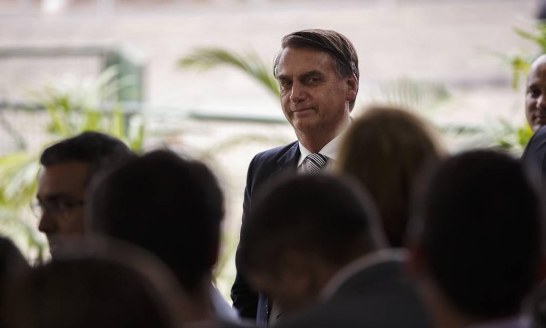 O presidente eleito Jair Bolsonaro durante entrevista coletiva no CCBB Foto: Daniel Marenco / Agência O Globo