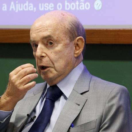 O governador do Rio em exercício, Francisco Dornelles Foto: Domingos Peixoto / Agência O Globo