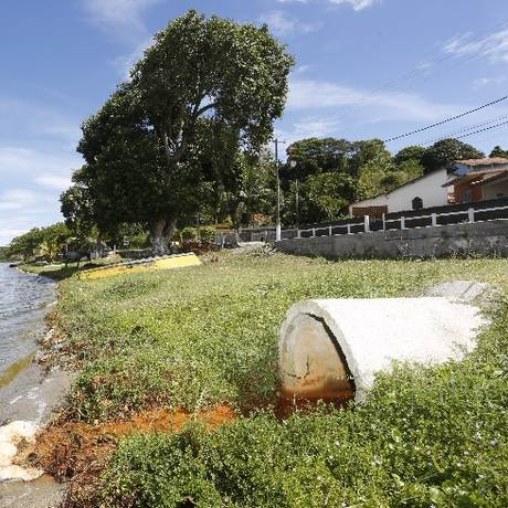 Lagoa de Jacaroá, em Maricá, no estado do Rio: a cidade é uma das que mais sofre com baixo índice de saneamento Foto: Agência O Globo