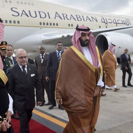 Príncipe herdeiro saudita, Mohammed bin Salman chega a Buenos Aires para cúpula do G-20 Foto: HO / AFP