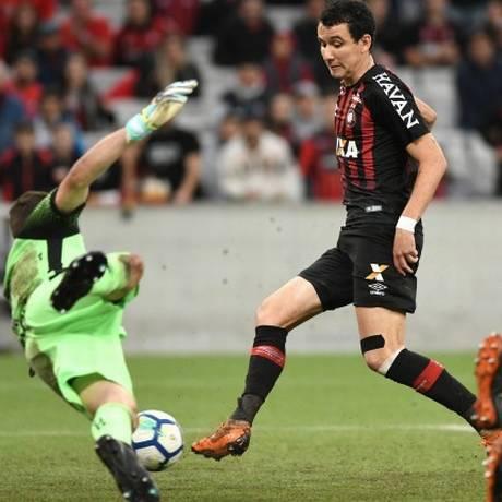 O atacante Pablo, do Atlético-PR, está na mira do Flamengo Foto: Miguel Locatelli/Atlético-PR