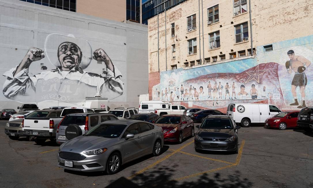 """""""Ánimo Sin Fronteras"""" é dedicado às pessoas comuns da fronteira EUA-México que sofreram injustiças e violência nos últimos anos. PAUL RATJE / AFP"""