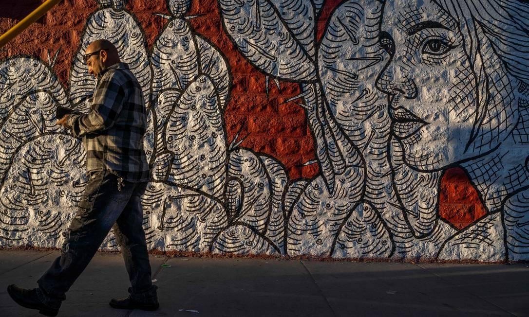 """""""Contigo"""" representa proteção e persistência. PAUL RATJE / AFP"""