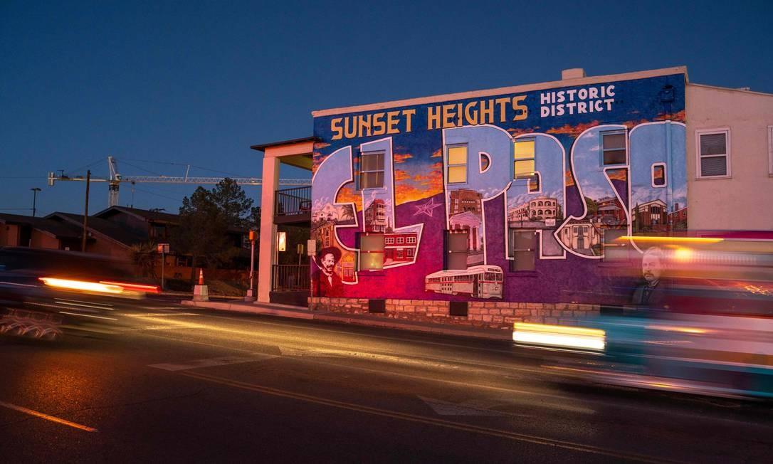 Mais de 100 grafites são pintados no Lincoln Park e El Segundo, distritos de El Paso, Texas, representando a cultura latina e nativa americana da cidade e o orgulho da comunidade. Foto: PAUL RATJE / AFP