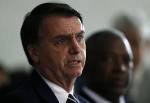 O presidente eleito Jair Bolsonaro concede entrevista coletiva no quarta-general do Exército em Brasília Foto: Jorge William / Agência O Globo