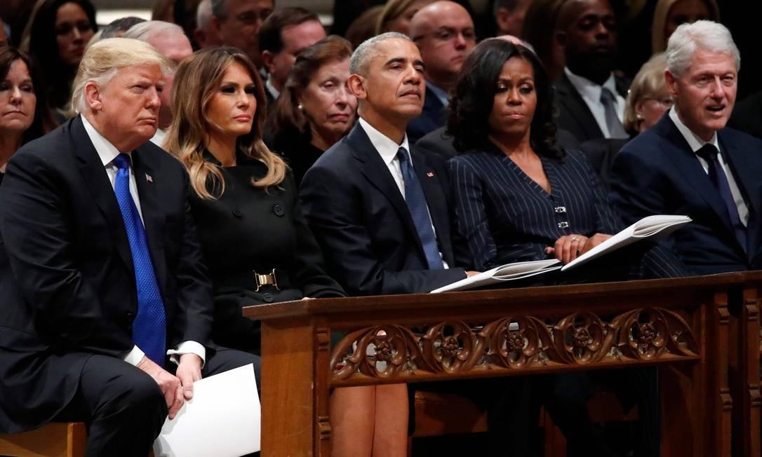 Da esquerda para a direita: presidente dos EUA, Donald Trump; primeira-dama, Melania Trump; ex-presidente Barack Obama e sua mulher, Michelle, e ex-presidente Bill Clinton Foto: ALEX BRANDON / AFP